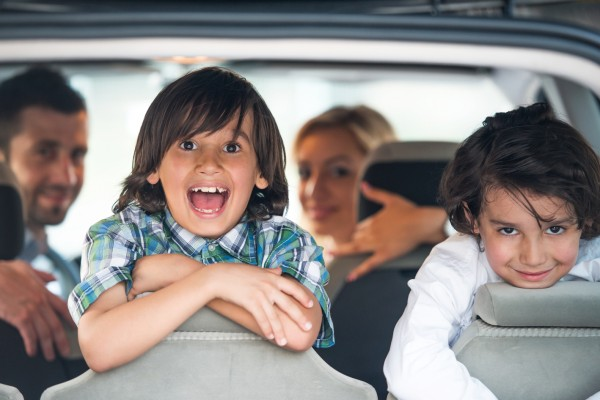 driving-in-romania-with-children